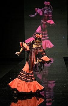 Hermanas Serrano- Colección Simof 2012: 'Aires Nazarenos'