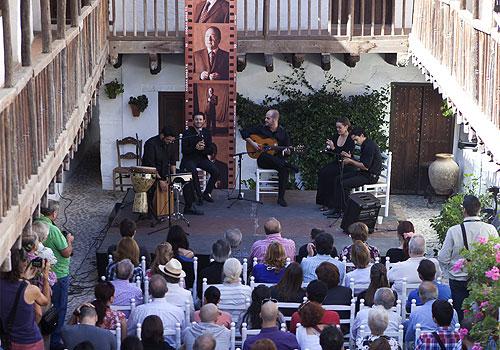Una de las actuaciones del ciclo 'matinales Flamencas' en el Patio de la Posada del Potro. Foto: Miguel Valverde.