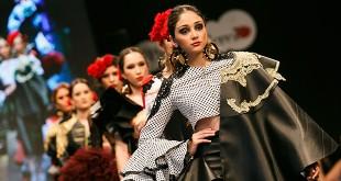 Colección de flamenca de Bárbara Ramos, ganadora del Certamen de Diseñadores Noveles de la Pasarela Flamenca de Jerez 2016. Foto: SIC Fotógrafos.