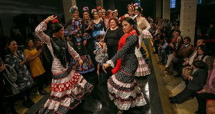 Colección de moda flamenca de Carmen Acedo en la Pasarela Flamenca de Jerez 2016. Foto: SIC Fotógrafos.