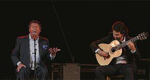 El cantaor jerezano, Luis 'El Zambo' y el guitarrista Miguel Salado, en el Festival Flamenco de Córdoba 2016.