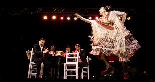 La Lupi, en uno de los momentos de su actuación en la Noche Blanca del Flamenco 2016. Foto: Miguel Valverde.