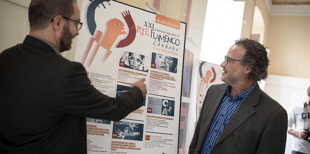 El gerente del IMAE, Ramón López, y el delegado de Cultura, David Luque, en la presentación del CNAF 2016. Foto: Miguel Valverde.