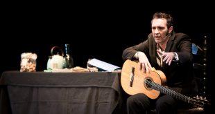 El actor Enrique Garcés, encarna al maestro Fosforito en 'Nazareno y Olivares'. Foto: M. Valverde.