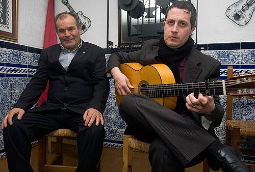 El Toto y Jesus Majuelos en su recital en la peña rincon flamenco