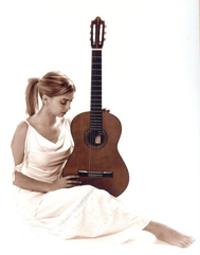 Davinia Ballesteros, guitarrista de flamenco