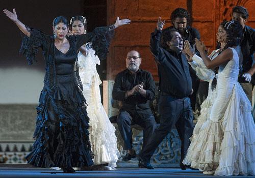 'Raíces de Ébano' es el nombre del espectáculo con el que la bailaora Manuela Carrasco inauguró la Bienal de Flamenco de Sevilla 2012. Foto: Toni Blanco