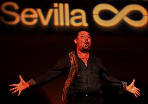 José Valencia en el Espacio Santa Clara de la Bienal de Sevilla 2012. Foto: Antonio Acedo.