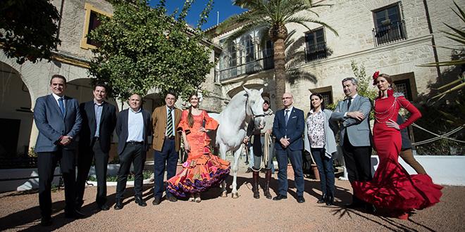 Autoridades y representantes de Cluster Córdoba y Córdoba Ecuestre, en la presentación de Ecuestre & Flamenco Fashion Córdoba. Foto: Miguel Valverde.
