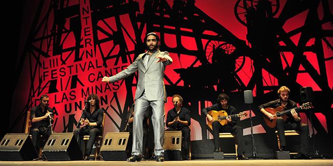 Uno de los participantes en el Concurso Festival de Cante de Las Minas de La Unión. Foto: cordobaflamenca.com