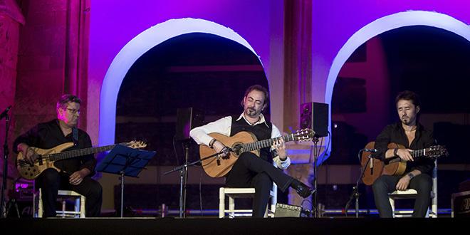 Concierto de José Antonio Rodríguez en el Patio de los Naranjos. Foto: Miguel Valverde.