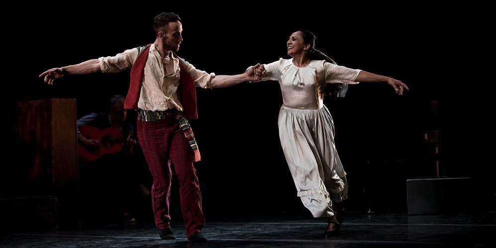 Escuela bolera, folclore y flamenco se unen en el espectáculo de Carmen Cortés. Foto: Miguel Valverde.