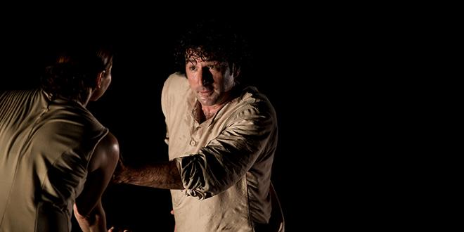 El bailarín cordobés Ángel Muñoz, en uno de los momentos de su actuación. Foto: Miguel Valverde.