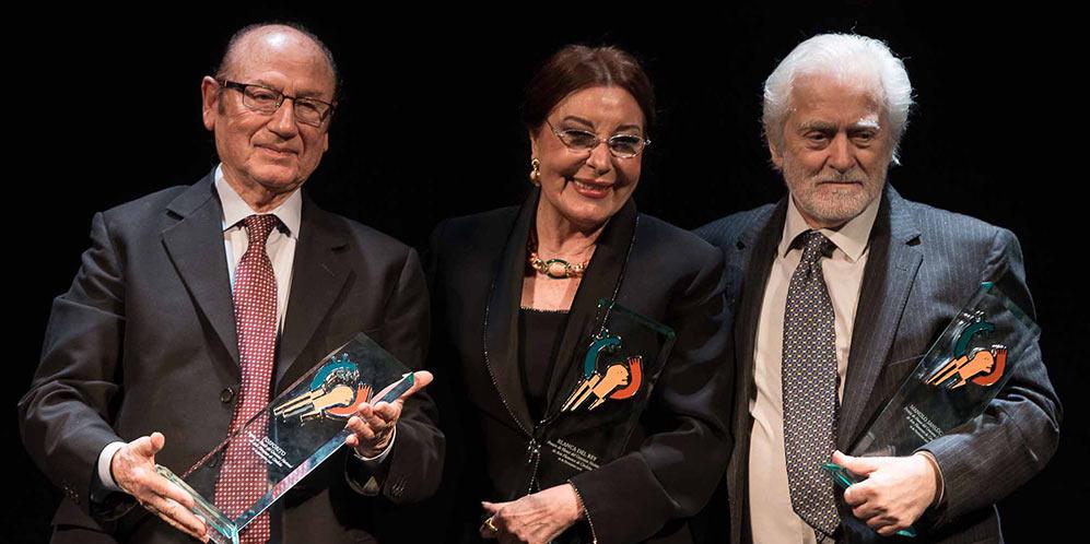 Blanca del Rey, junto a Antonio Fernández 'Fosforito' y Manolo Sanlúcar. Foto: M. Valverde.