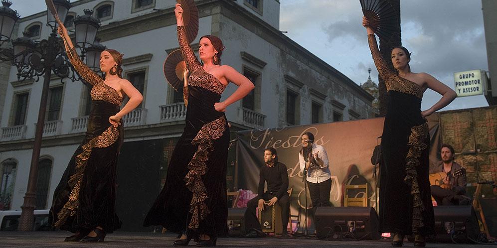 Mayo festivo en Córdoba. Certamen de Academias de Baile Flamenco.