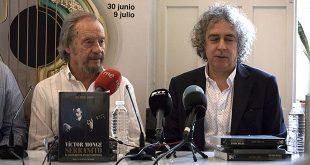 Víctor Monge 'Serranito', junto a José Manuel Gamboa, en el acto de presentación celebrado en Córdoba. Foto: cordobaflamenca.com