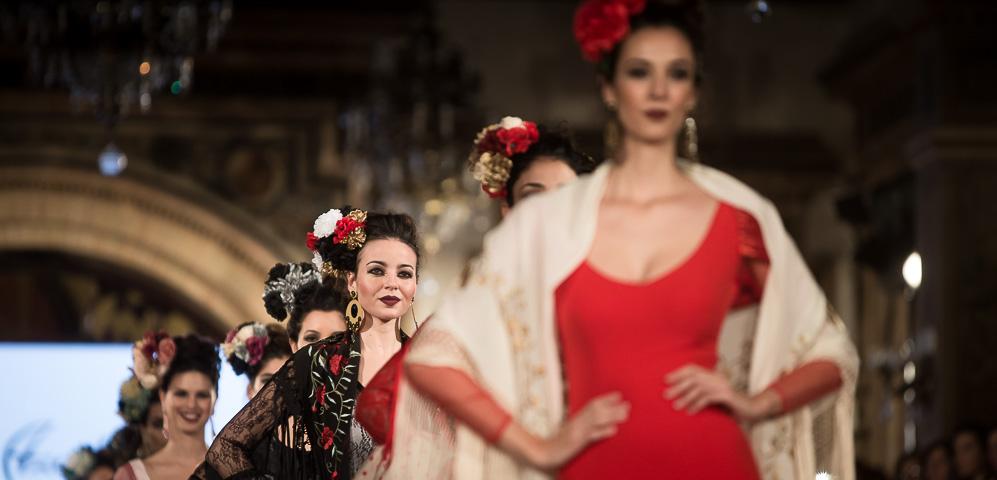 Lola Azahares - We love Flamenco 2018 - Moda Flamenca - Trajes de Flamenca