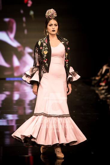 Simof 2018 - Ángeles Copete -. Moda Flamenca - Trajes de Flamenca