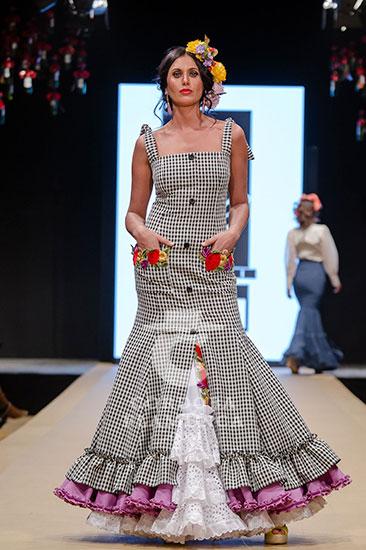 Pasarela Flamenca de Jerez 2018 - Chari García - Trajes de Flamenca 2018 - Moda Flamenca 2018