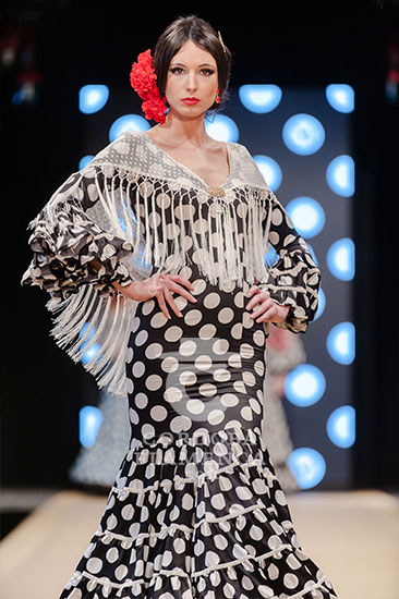 Pasarela Flamenca de Jerez 2018 - Micaela Villa - Trajes de Flamenca 2018 - Moda Flamenca 2018