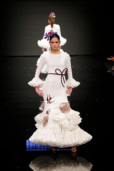 Vestido flamenca blanco roto