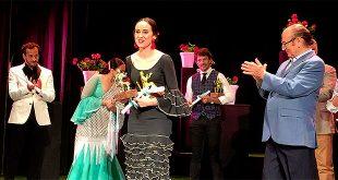 La cantaora Rocío Luna, en la entrega de rpremios del Concurso de Cante Membrillo de Oro 2018. Foto: cordobaflamenca.com