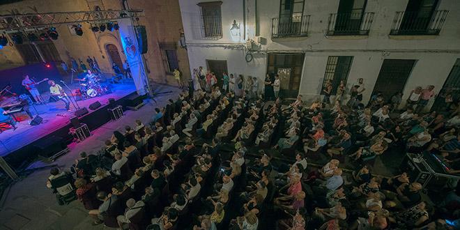 Espectáculo de flamenco del ciclo 'Latidos Flamencos' celebrado en la Plaza del Potro. Foto: Toni Blanco.