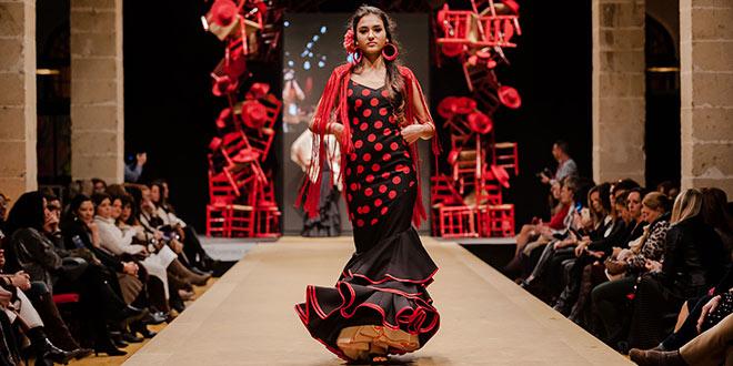 Nueva colección de trajes de flamenca de Ángeles Verano en la Pasarela Flamenca de Jerez 2019. Foto: Christian Cantizano