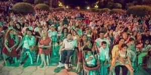 Público asistente a los conciertos de la Plaza de la Juventud. Foto: Toni Blanco.