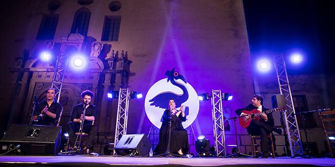 La Macanita en uno de los momentos de su actuación en la Plaza de San Agustín. Foto: M. Valverde.
