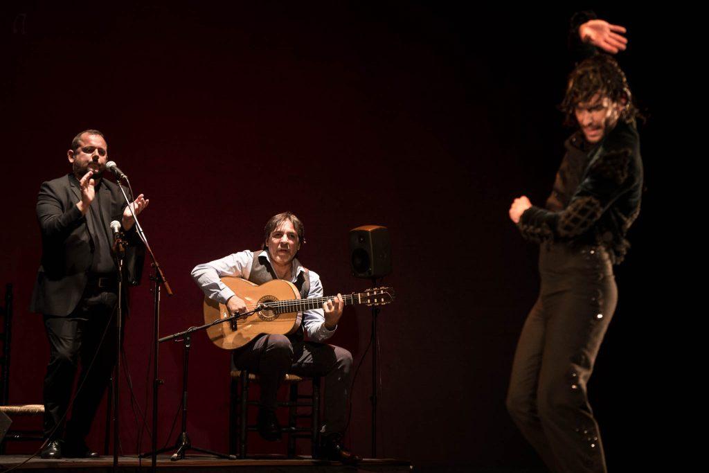 El guitarrista Agustín Carbonell 'Bola', en la final del Concurso Nacional de Arte Flamenco de Córdoba 2019. Foto: M. Valverde.