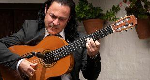 El guitarrista Chaparro de Málaga en una actuación celebrada en la Posada del Potro. Foto: A. Higuera.