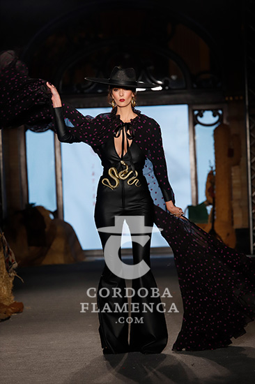 Nueva colección de moda flamenca de Javier Mojarro en We love flamenco. Foto: Chema Soler.