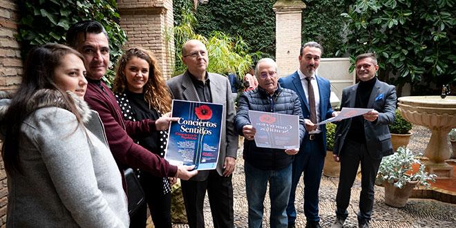 Artistas, dirigentes de la Fundación Cajasur y el presidente de la Asociación de Artistas Flamencos de Córdoba, en el acto de presentación de 'Conciertos Sentidos' y 'Empéñate en el Flamenco'. Foto: A. Higuera.