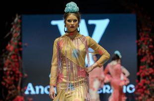 Nueva colección de trajes de flamenca de Ángeles Verano en la Pasarela Flamenca de Jerez 2020. Fotos: Christian Cantizano.