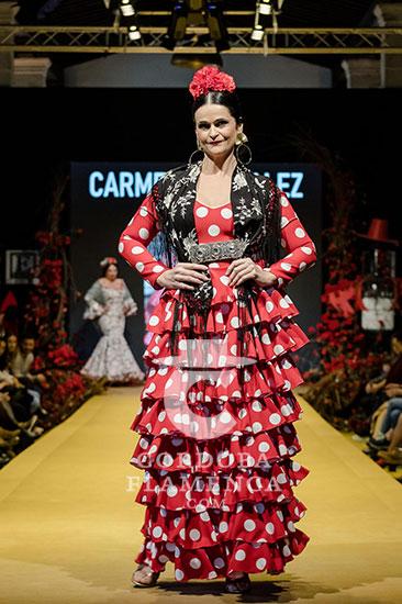 Nueva colección de trajes de flamenca de Carmen Gónzalez en la Pasarela Flamenca de Jerez 2020. Foto: Christian Cantizano..