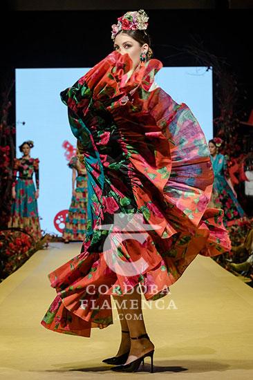 Nueva colección de trajes de flamenca de Degitana en la Pasarela Flamenca de Jerez. Foto: Christian Cantizano.