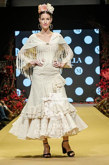 Nueva colección de trajes de flamenca de Micaela Villa en la Pasarela Flamenca de Jerez 2020. Foto: Christian Cantizano.