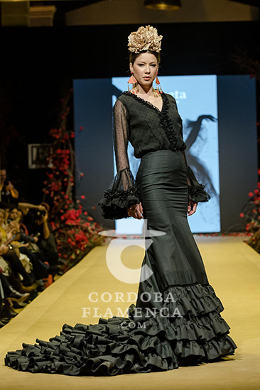 Nueva colección de trajes de flamenca de Rocío Lama en la Pasarela Flamenca de Jerez 2020. Fotos: Christian Cantizano.