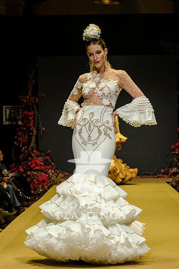 Nueva colección de trajes de flamenca de Teresa Ninú en la Pasarela Flamenca de Jerez 2020. Foto: Christian Cantizano.