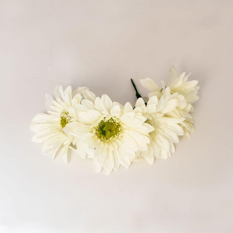 Flores de Flamenca - Semicorona de margaritas - Tocado de margaritas- Flor de flamenca margarita- Margarita de Tela - Moda Flamenca 2020 - Flores de Flamenca 2020 - Complementos de Flamencas 2020 - Flores de flamencas artesanales - Ramilletes y flores de tela - Flores de flamenca para el pelo -Flores de flamenca amarillas - flores de flamenca blancas