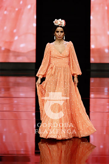 Nueva colección de trajes de flamenca de Carmen Raimundo en Simof 2020. Foto: Chema Soler.