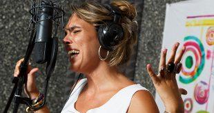 La cantaora Lourdes Pastor en un momento de la grabación del disco 'Palabras para Julia'.